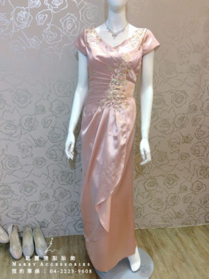 O109-03粉膚緞面修身款媽媽禮服-晚宴禮服-新娘晚禮服