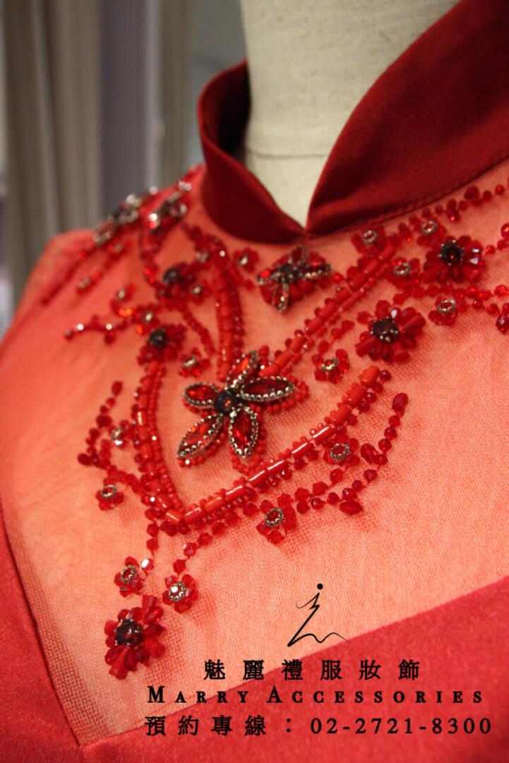 M107系列緞面高雅華貴5分袖紅色旗袍領禮服-媽媽禮服-晚宴禮服-新娘晚禮服
