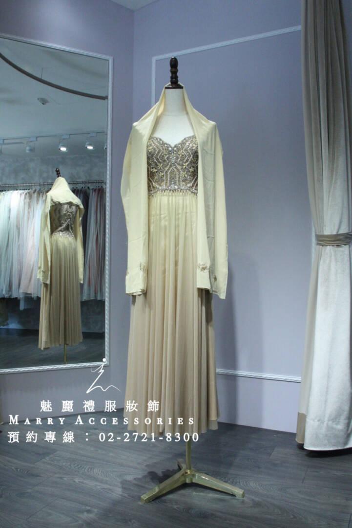 M30系列顯修長心型五角領華貴金色媽媽禮服-晚宴禮服-新娘晚禮服