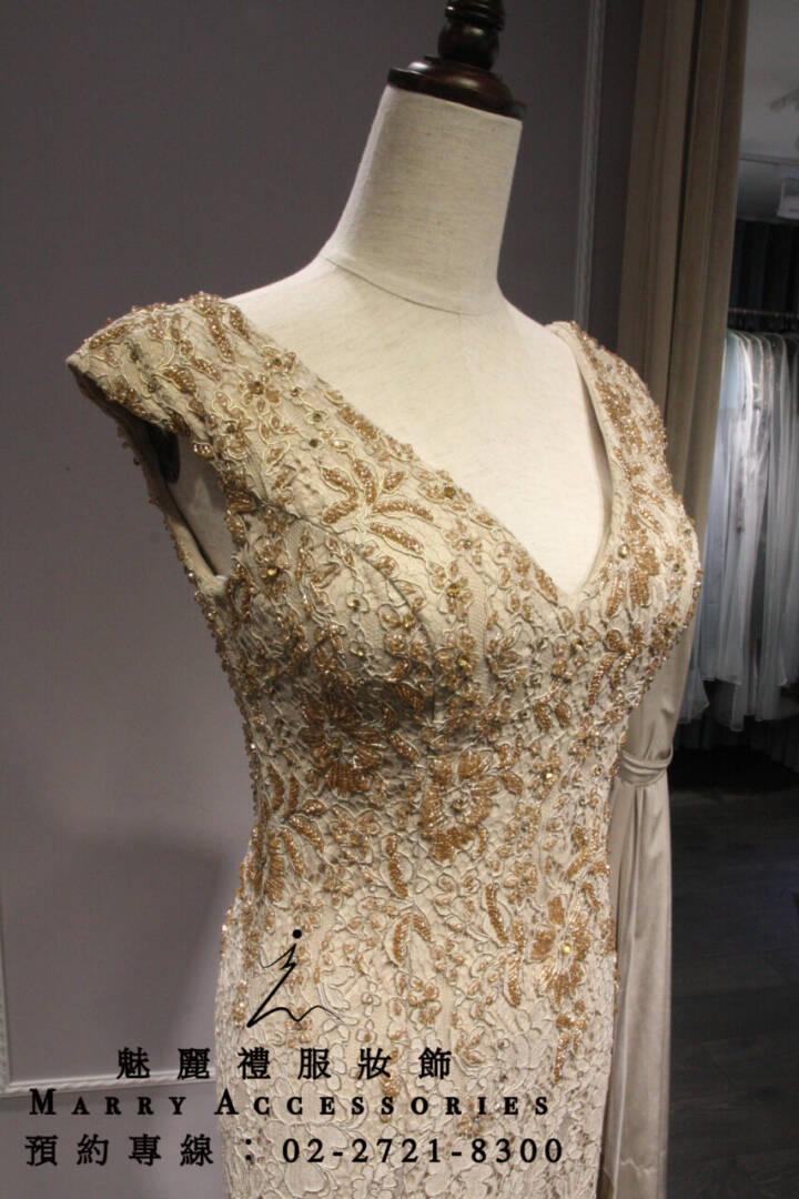 M49系列金色小V領蕾絲貼身禮服-媽媽禮服-晚宴禮服-新娘晚禮服